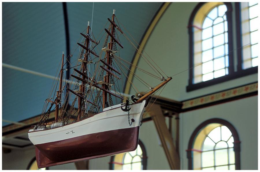 Loď v kostele v Sandaváguru